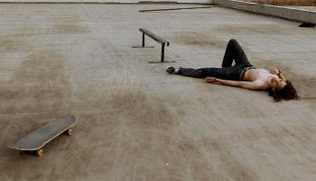 In der Schwebe: Junge Skater in Georgien