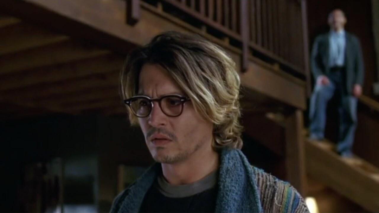 """Das geheime Fenster"""" ist ein spannender Psycho-Thriller über einen einsamen Schriftsteller, der von einem gefährlichen Psychopaten bedroht wird."""