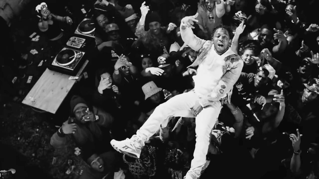 Kendrick Lamar beim Video Dreh in Compton