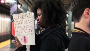 Mediasteak-subway-reading