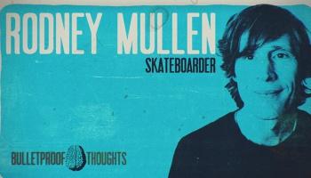 Eine Mini-Serie 'Bulletproof Thoughts' mit philosophischen Kurztrips durch die Jetztzeit mit kugelsichere Gedanken von der Skaterlegende Rodney Mullen.