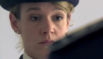 'Die Knastchefin' ist ein intimes Portrait einer Gefängnisdirektorin und ihr Arbeitsalltag zwischen Autorität und Menschlichkeit.