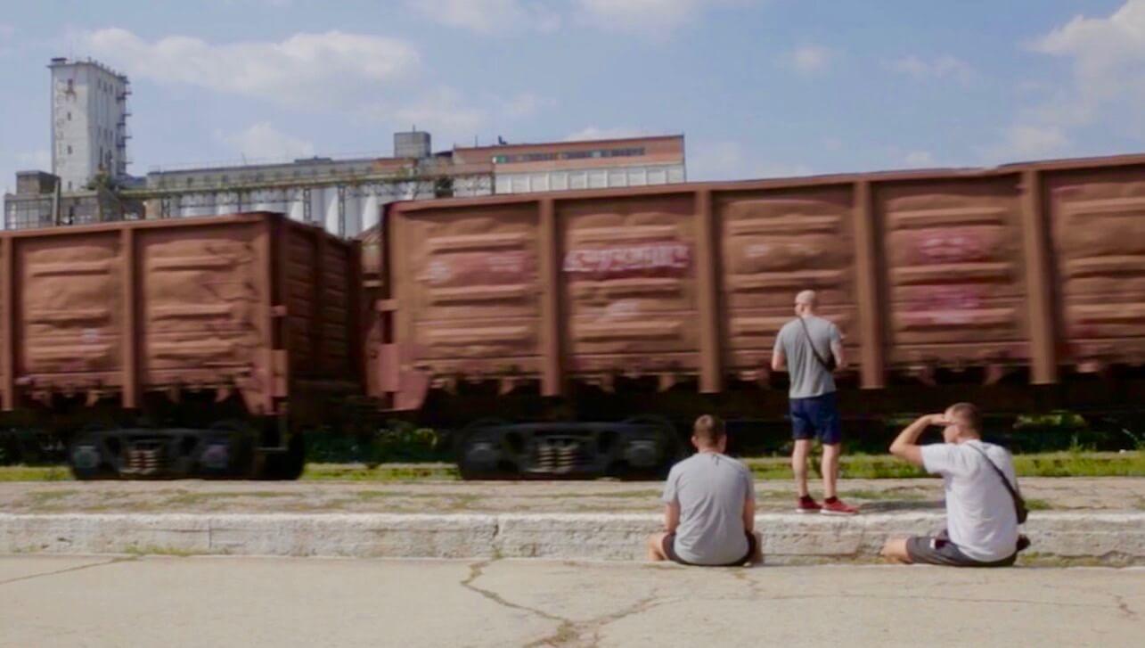 Doku-Trailer: Grenzgebiet – Trainwriting-Tour durch Osteuropa
