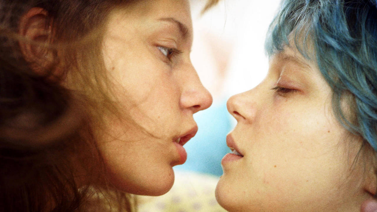Diese Filmliste beschäftigt sich mit Lesben im Film – fernab von Klischees. Vor allem geht es um die schönste UND komplizierteste Sache der Welt: die Liebe.