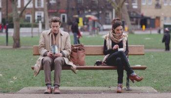 A Lunch Break Romance ist ein Kurzfilm über das Zerdenken einer Begegnung gedreht, die vielleicht eine wunderbare Romanze geworden wäre.
