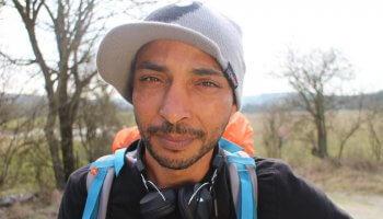 Abdelghani Merah wandert durch Frankreich – mit einer klaren Mission. Mein Bruder, der Terrorist begleitet ihn auf seiner ungewöhnlichen Reise.