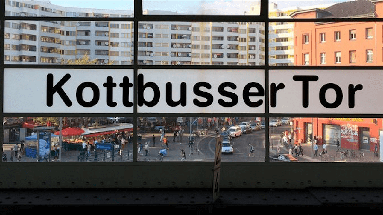 "24h Kotti - Berlins ""spannendster"" U-Bahnhof"