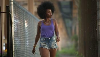 Die beeindruckende Protagonistin aus der Film Chi-Raw gehört zu den Ikonen des afroamerikanischen Films