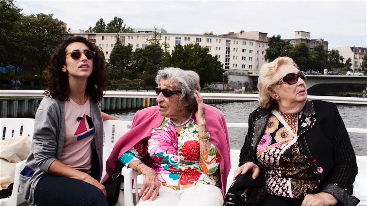 Oma & Bella, © Alexa Karolinski v.l.: Filmemacherin Alexa Karolinski, ihre Oma Regina und deren Freundin Bella Katz