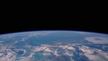 """Fünf Astronauten berichten von ihrer beneidenswerten Erfahrung, bei der sie die Erde erstmals von """"außen"""" sahen und den Overview-Effekt erlebten."""