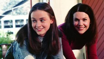 Alle sieben Staffeln der amerikanischen Erfolgsserie 'Gilmore Girls' gibt es jetzt auf Netflix.