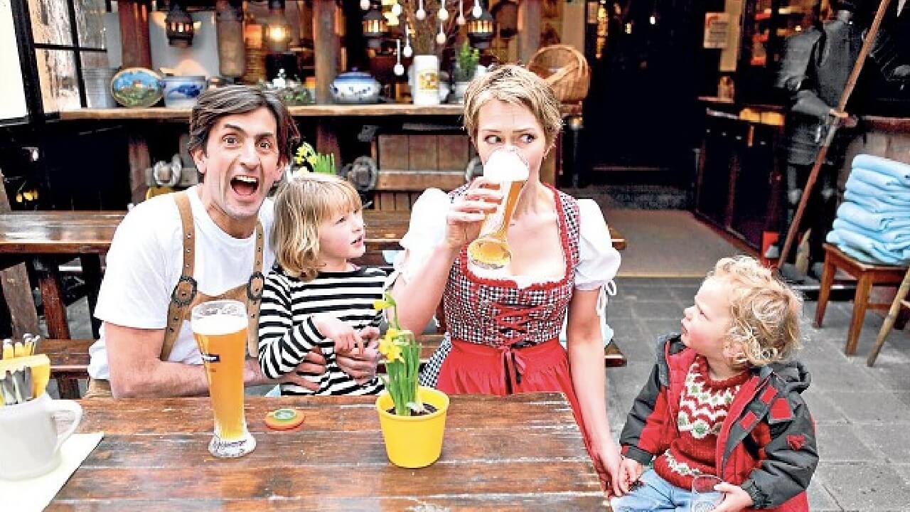 Für 'Make Me a German' begibt sich eine britische Journalistenfamilie nach Nürnberg und lernt Interessantes über uns deutsche Kartoffeln.